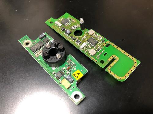BMW E46 リモコンキーの赤外線受信機と電波式受信機の比較