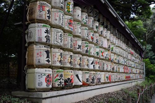 明治神宮の参道日本酒樽